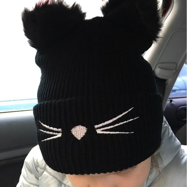 Téli sapka macska orral és fülekkel