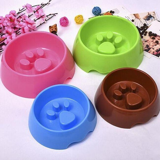 Пластиковая миска для собак 1