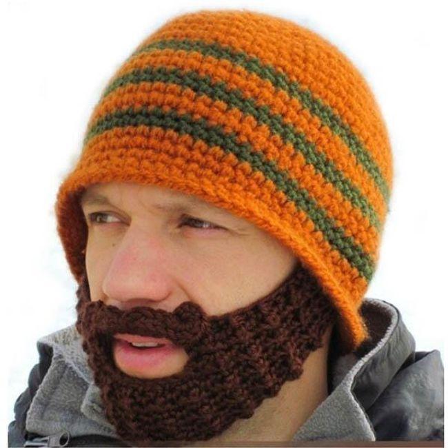 Căciulă tricotată manual cu barbă 1
