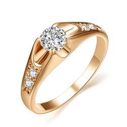 Női eljegyzési gyűrű kristállyal