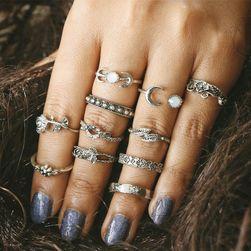 Set jedenácti zdobených prstýnků