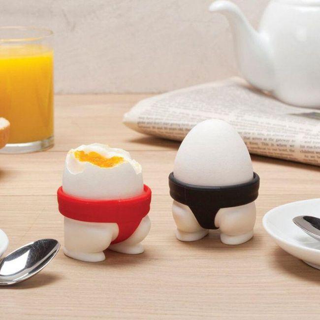 Silikonový držák na vejce ve vtipném designu - 2 ks 1