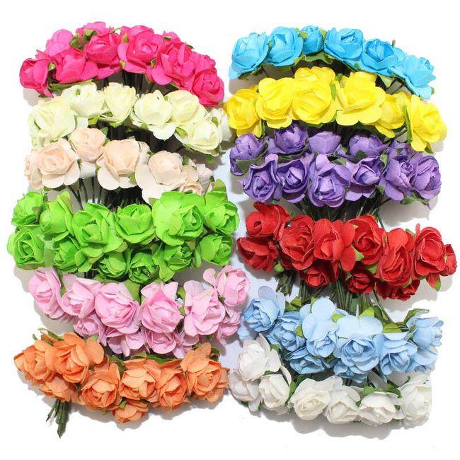 144 dekoratif yapay güllerden oluşan büyük bir set 1
