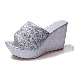 Dámské pantofle na klínku Terifa
