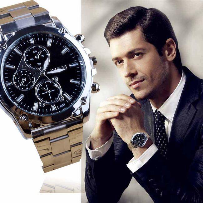 Gümüş renkli erkek kol saati 1