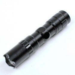 Vodootporna LED baterija crne boje