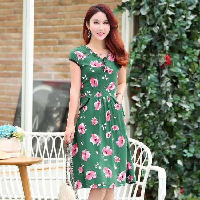 Květinové letní šaty v nadměrných velikostech 1