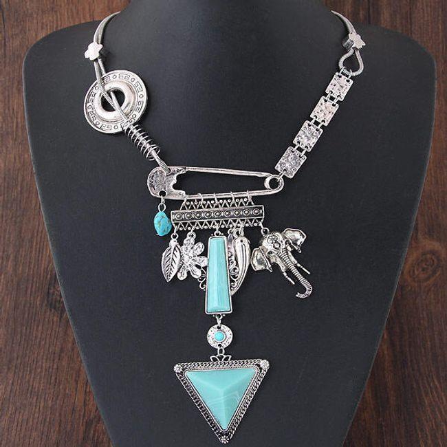 Masivní náhrdelník s orientálními motivy 1