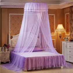 Jednokolorowy baldachim nad łóżko