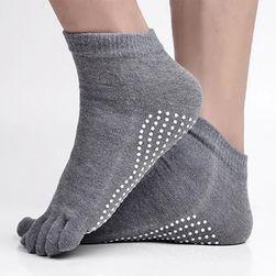 Ciorapi cu degete și puncte anti-alunecare