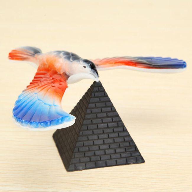 Балансирующая игрушечная птица с пирамидой 1