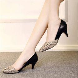 Dámské boty na podpatku RF7