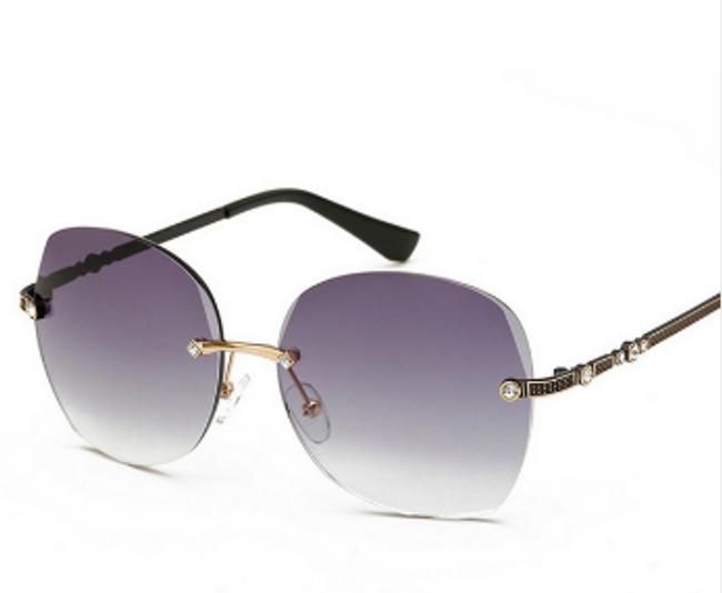 Sluneční brýle v luxusním provedení 1