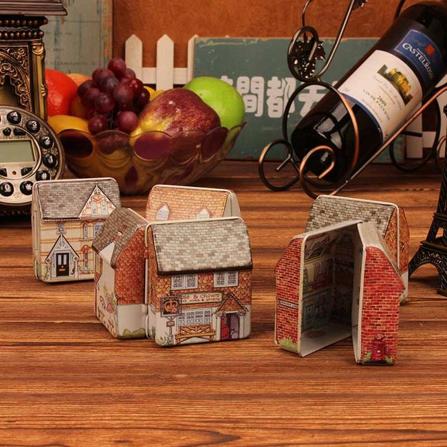 Kovový box na dobrůtky - Malovaný domeček 1