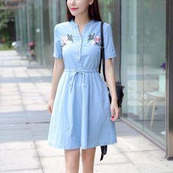 Džínové šaty s květinovými nášivkami