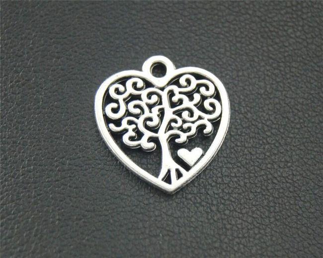Přívěsek srdíčka se stromem (10 kusů) - stříbrná barva 1