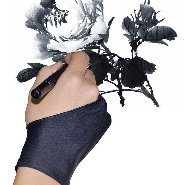 2 kusy ochranných rukavic při kreslení 1
