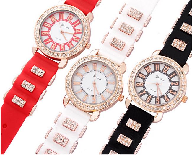 Elegantní dámské hodinky ve 3 barevných provedeních 1