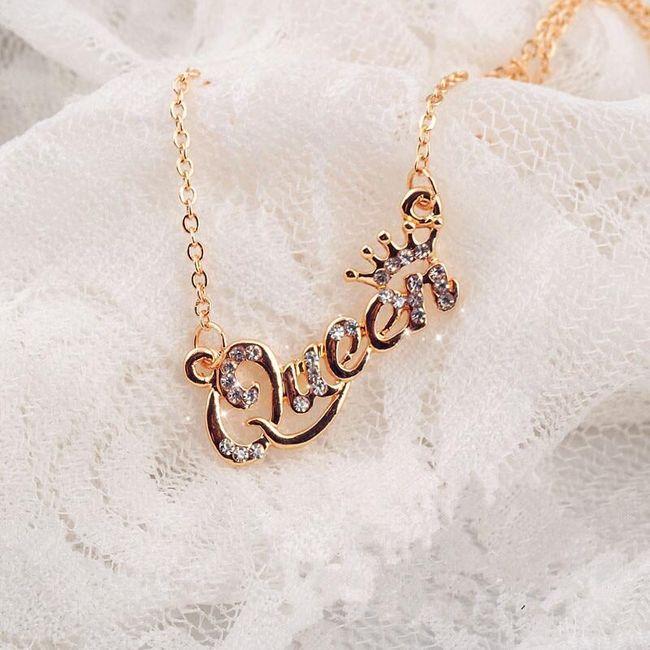 Dámský řetízek s přívěskem Queen 1