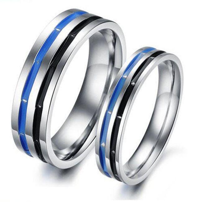 Titanový prsten s modrým a černým proužkem - unisex 1