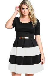 Damska sukienka plus size- w paski