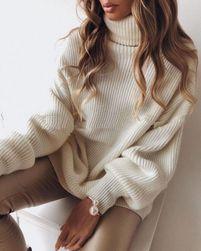 Pulover lung tricotat cu guler - crem