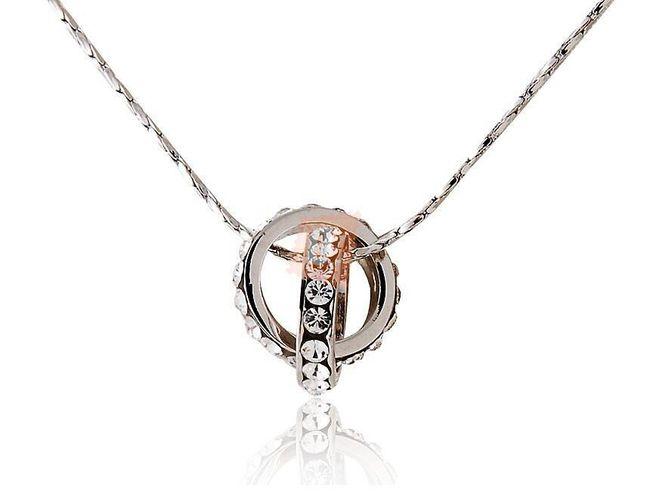 Náhrdelník s propletenými kroužky - stříbrná barva 1