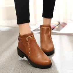 Kotníkové boty na podpatku - 2 barvy