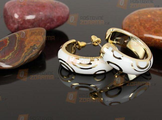 Érzéki fülbevaló arany és ezüst díszítéssel 1