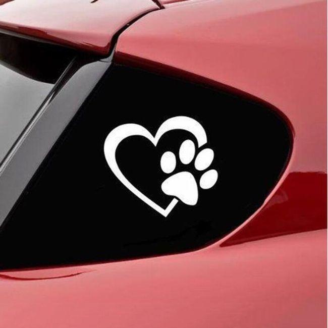 Autocolant auto - Lăbuță de câine și inimă 1