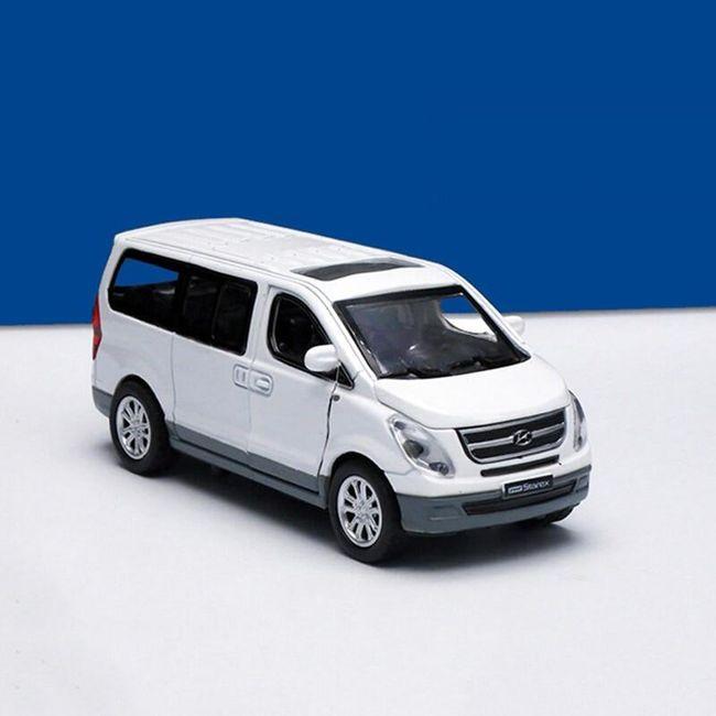 Model samochodu Hyundai Starex 1
