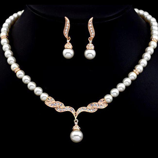 Set náhrdelníku a náušnic z perliček a třpytivých kamínků 1