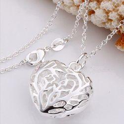 Ogrlica sa srcem - srebrne boje