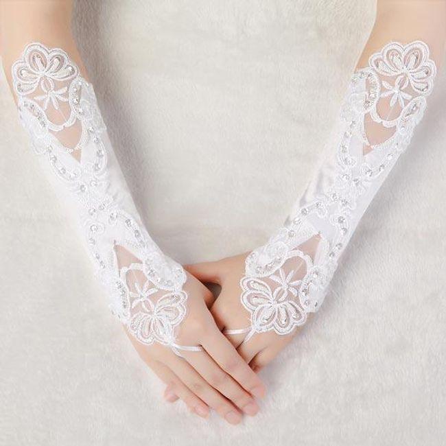 Сватбени ръкавици без пръсти с бродерия 1