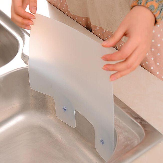 Kuhinjski pripomoček proti škropljenju vode ali olja 1