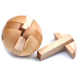 Drvena slagalica za decu - kugla