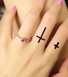 Dočasné tetování - kříž