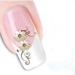 Nalepke za nohte v oblikovanju cvetja