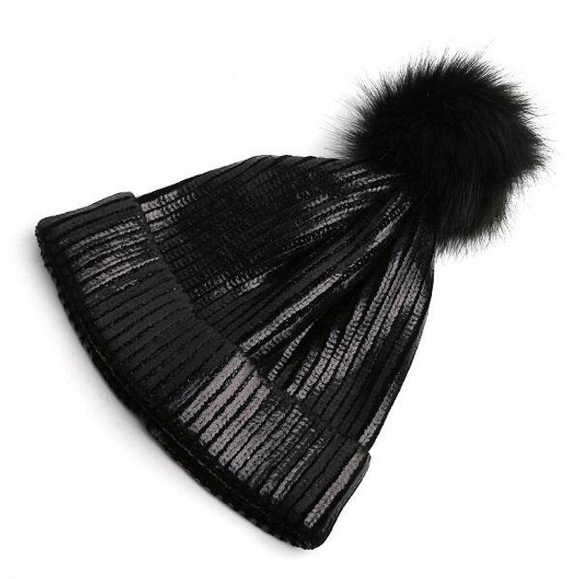 Zimní čepice s metalickou úpravou 1