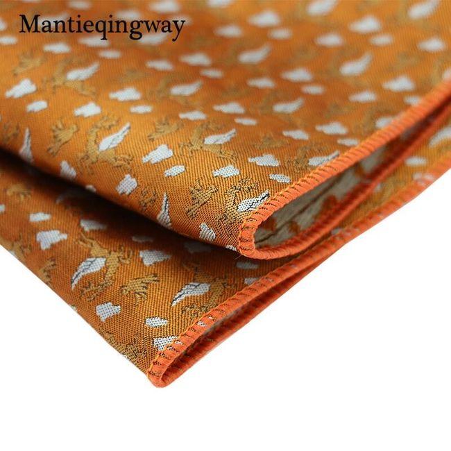 Férfi nyakkendő zsebkendővel és mandzsettagombokkal
