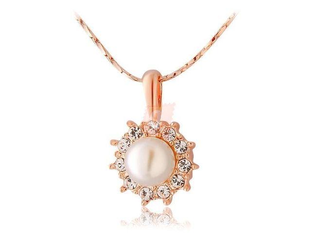 Náhrdelník s perlou dozdobenou kamínky - zlatá barva 1