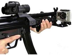 Hliníkový držák pro ukotvení akční kamery na zbraň