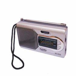 Praktické a kompaktní rádio s AM/FM příjmem