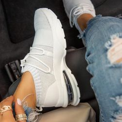Женские кроссовки Kira