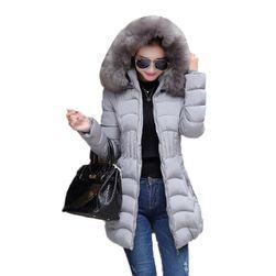 Женская стеганая куртка больших размеров