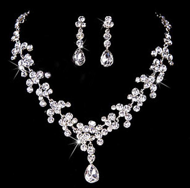Set de bijuterii elegante - colier si cercei 1
