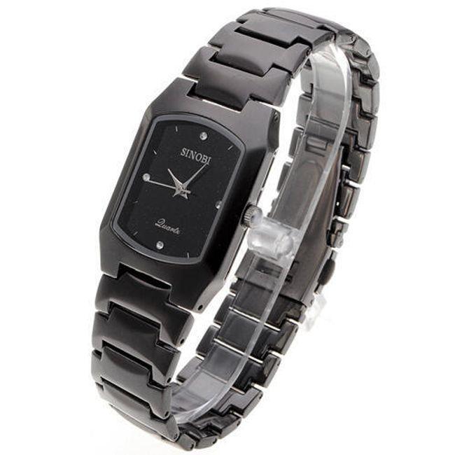 Elegantní dámské náramkové hodinky v černé barvě 1