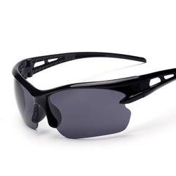Sportovní brýle v několika barevných variantách