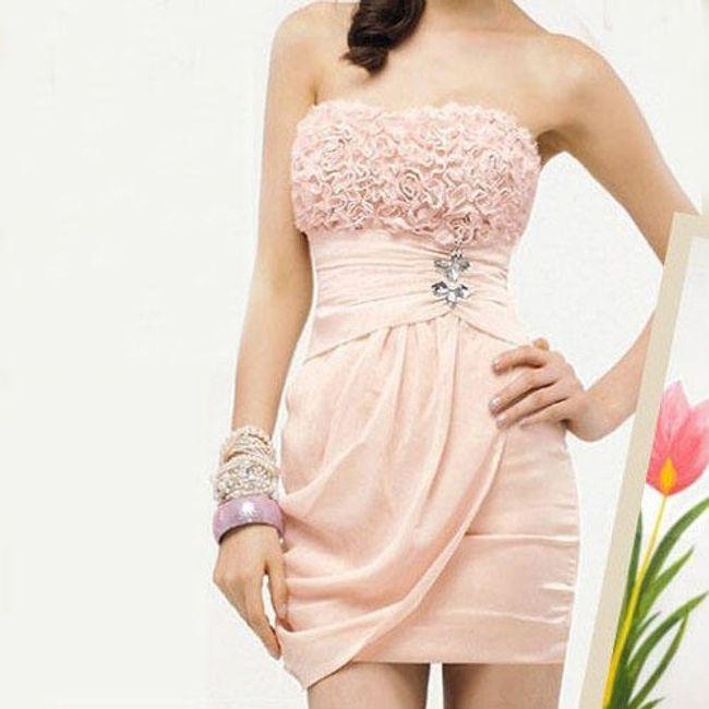 Růžové společenské šaty s nabíraným dekoltem 1