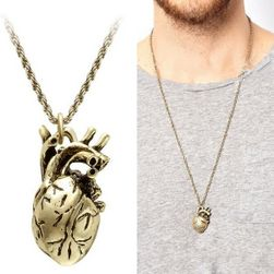 Muška ogrlica sa priveskom u obliku ljudskog srca